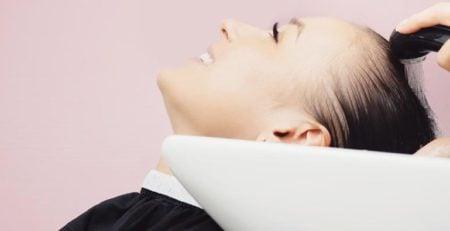 Sztuka mycia włosów. Od niej zaczyna się prawidłowa pielęgnacja